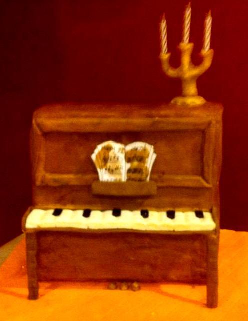 Piano cake