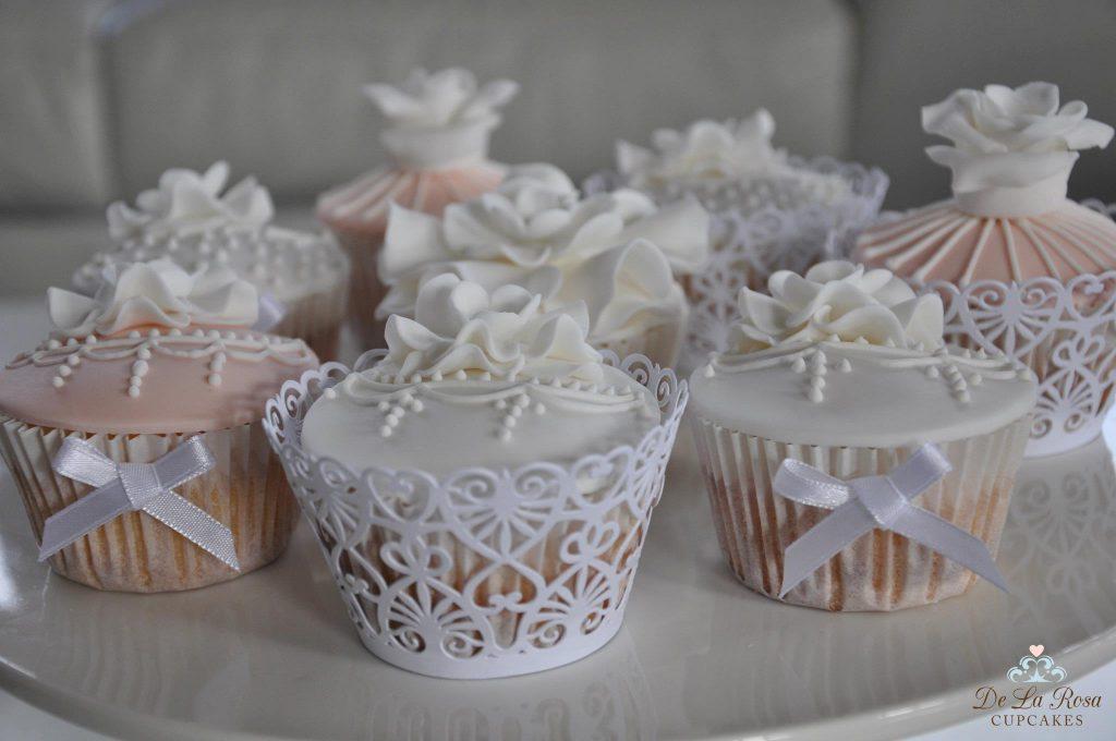 Vintage-wedding-cupcakes